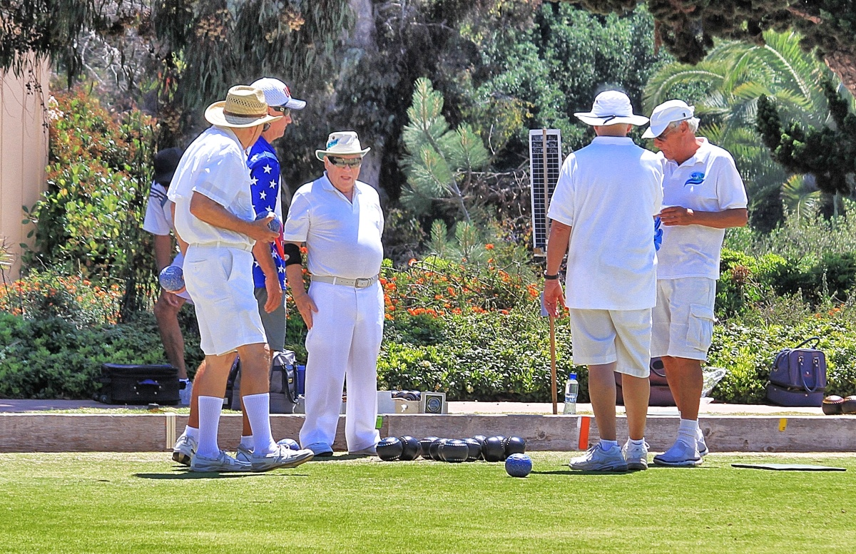 "Players kibbutz before a match, taking turns trash talking the opposing team with things like, ""Hey, Joe, don't clutch up this time,"" or ""Who's your Daddy, Jack?"""