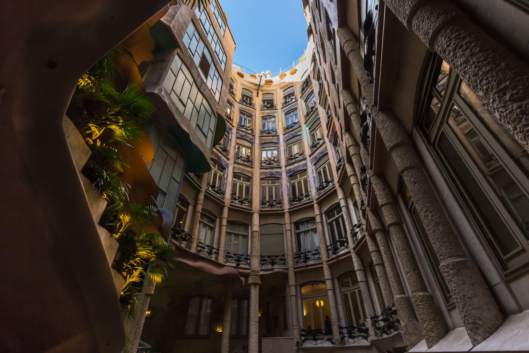 Casa Milà – Travel Monkey
