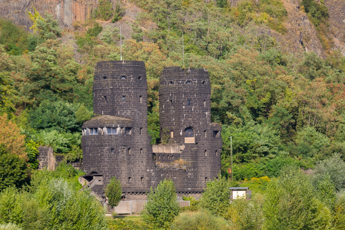 castles-6-of-77